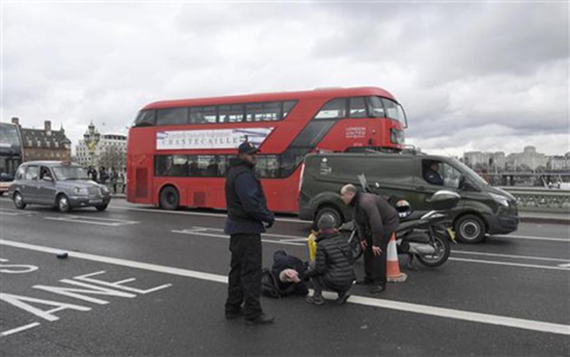Επίθεση με τραυματίες έξω από το βρετανικό Κοινοβούλιο