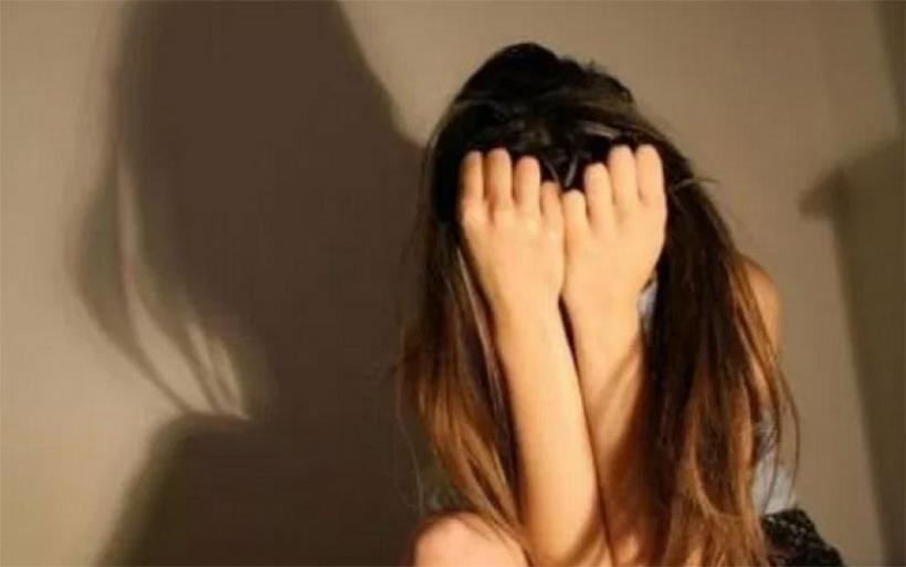 Βόλος: Eπιτέθηκε με κλωτσιές στην 16χρονη ξαδέρφη της κοπέλας του