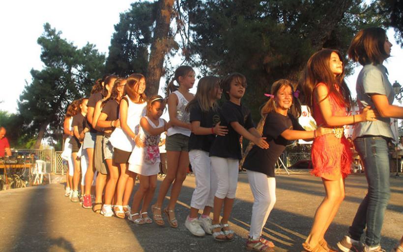 Πλήθος κόσμου τίμησε τη Γιορτή Λήξης των τμημάτων του Φιλοπροοδου Συλλόγου Ν. Αγχιάλου