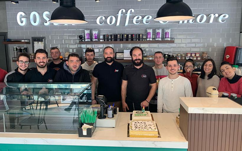 """Τα τέσσερα χρόνια λειτουργίας του γιόρτασε το """"GOSSIP coffee & more"""""""