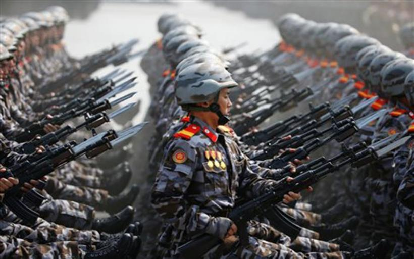 Eπίδειξη ισχύος και προειδοποιήσεις προς ΗΠΑ από τη Β.Κορέα