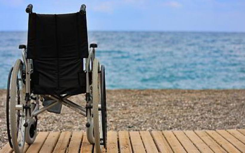 """Συνοπτικός διαγωνισμός για """"Υποδομές Πρόσβασης των ΑμεΑ σε παραλίες του Δήμου Αλμυρού"""