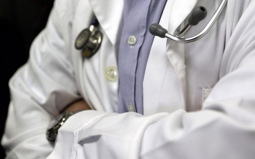 Αγγειοχειρουργός με ιατρείο και στο Βόλο συνεργαζόταν με τον «μαϊμού» ογκολόγο!