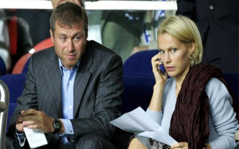 Η πρώην σύζυγος του Ρόμαν Αμπράμοβιτς μιλά για πρώτη φορά για τον γάμο τους που έμοιαζε με «χρυσό κλουβί»