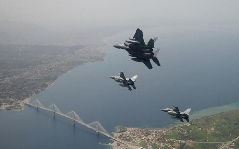 Handelsblatt: Οι ΗΠΑ ενισχύουν τη στρατιωτική τους παρουσία στην Ελλάδα -Ενδιαφέρον για νέα βάση στην Κρήτη