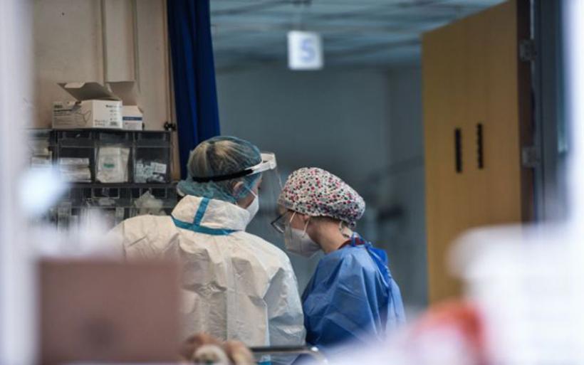 Κοροναϊός: Αυξάνονται οι εισαγωγές ασθενών στα νοσοκομεία της χώρας