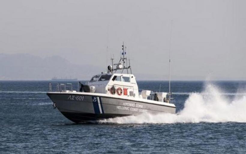 Σκάφος με 57 μετανάστες εντοπίστηκε δυτικά της Πύλου