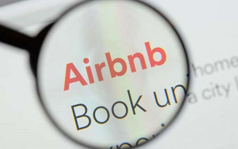 Εφορία: Στενεύει ο κλοιός για τα εισοδήματα από ακίνητα Airbnb