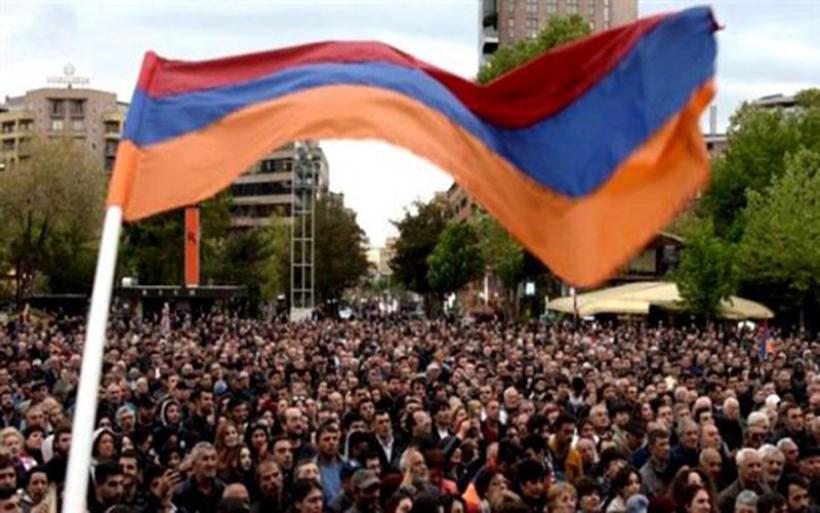 Πολιτική κρίση στην Αρμενία: Απέρριψε πρόταση της αντιπολίτευσης για συνομιλίες ο υπηρεσιακός πρωθυπουργός