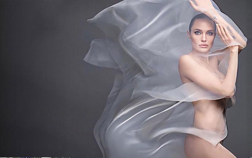 Η Αντζελίνα Τζολί φωτογραφίζεται γυμνή