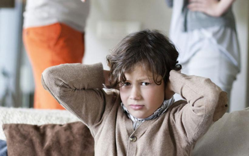 Αυτή είναι η επικίνδυνη συμπεριφορά που απομακρύνει τα παιδιά από τους γονείς τους