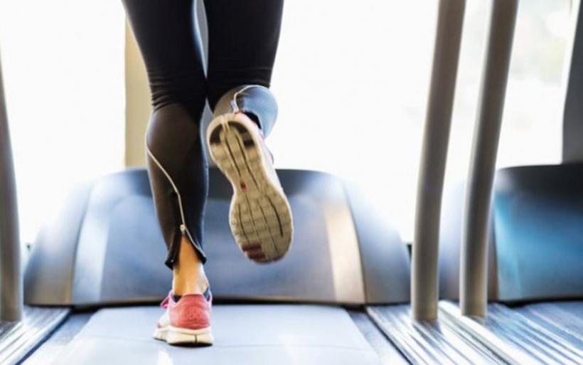 Tο καθισιό και η έλλειψη άσκησης φέρνουν πρόωρα γεράματα