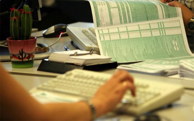 «Αυλαία» την Δευτέρα για τις δηλώσεις εισοδήματος - Από αύριο ο «μαραθώνιος» πληρωμών