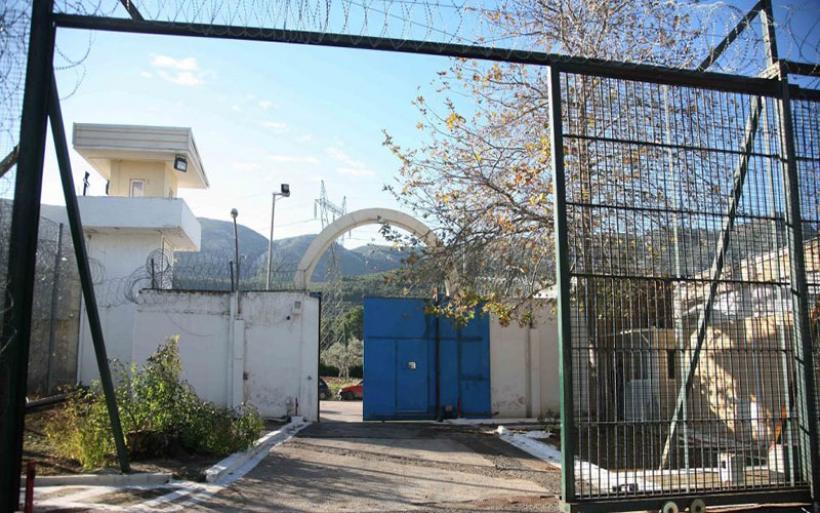Φυλακές Αυλώνα: Βρήκαν μαχαίρια, σιδηρολοστούς, λάμες, ρόπαλα, καλέμι, κινητά και ναρκωτικά!