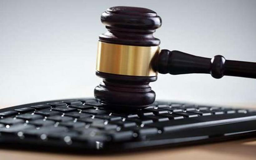 Μελετούν νομική κάλυψη των συμβολαιογράφων ενόψει των e – πλειστηριασμών