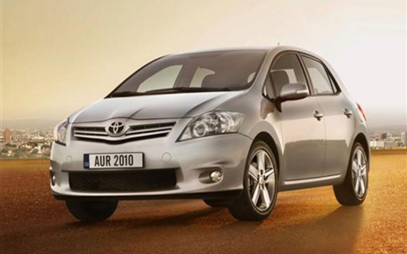 Aνακαλούνται 7.437 Corolla και Auris