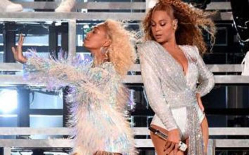 Η τούμπα της Beyonce και της αδερφής της σε συναυλία!