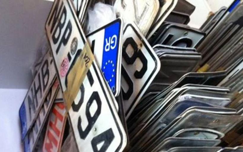 Επιστρέφονται από σήμερα πινακίδες και άδειες λόγω Χριστουγέννων