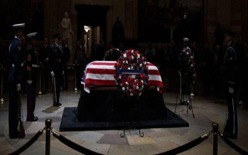 Στις ΗΠΑ δεν λειτουργεί τίποτα σήμερα -Εθνικό πένθος για την κηδεία Μπους