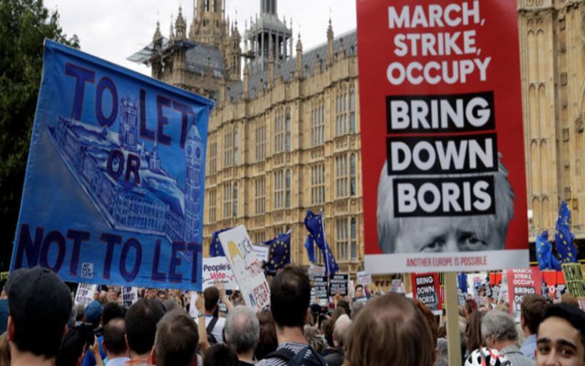 «Κλειδώνει» το «άτακτο Brexit» για τις 31 Οκτωβρίου; Τι σημαίνουν οι χθεσινές εξελίξεις στη Βρετανία