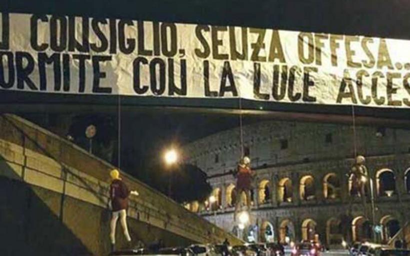 Απειλή θανάτου για παίκτες της Ρόμα: Κρέμασαν κούκλες τους έξω από το Κολοσσαίο
