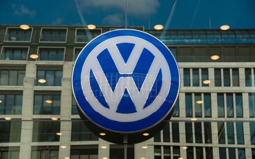 Volkswagen: Προχωράει στην περικοπή 23.000 θέσεων εργασίας  για εξοικονόμηση 3,7 δισ. ευρώ ετησίως