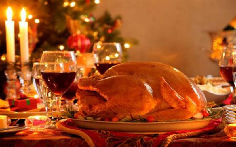 Γιορτινό τραπέζι: Απόλαυση χωρίς φούσκωμα και περιττά κιλά