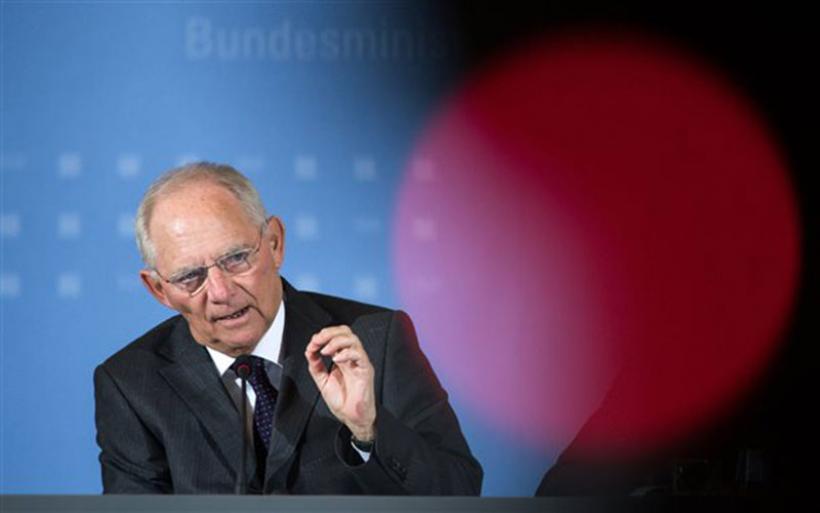 Σόϊμπλε: Η Ελλάδα να εξέλθει από το ευρώ για να λάβει ελάφρυνση χρέους