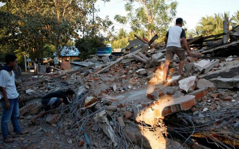 Νέα σεισμική δόνηση στην Ινδονησία – Πάνω από 300 οι νεκροί από τον σεισμό της Κυριακής