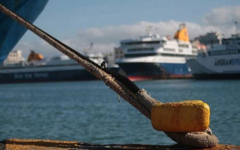 Δεμένα τα πλοία στα λιμάνια στις 18 Απριλίου
