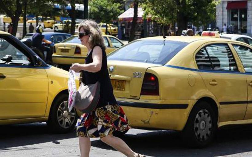 Τα πάνω κάτω στην αγορά ταξί -Κυβερνητικό μπλόκο στις ηλεκτρονικές εφαρμογές