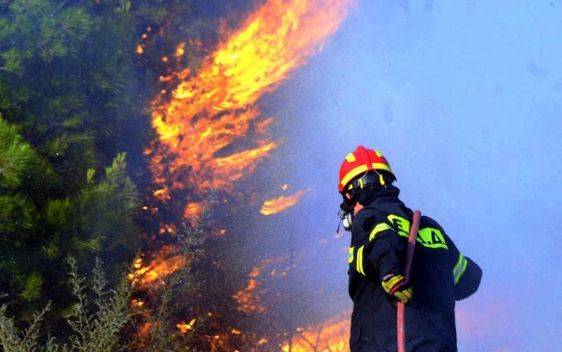 Σε εξέλιξη πυρκαγιά στην Αλόννησο - Εκκενώθηκε ξενοδοχείο