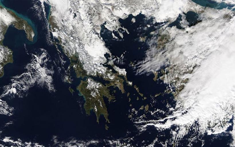 Απίστευτη εικόνα από δορυφόρο με την χιονισμένη Ελλάδα