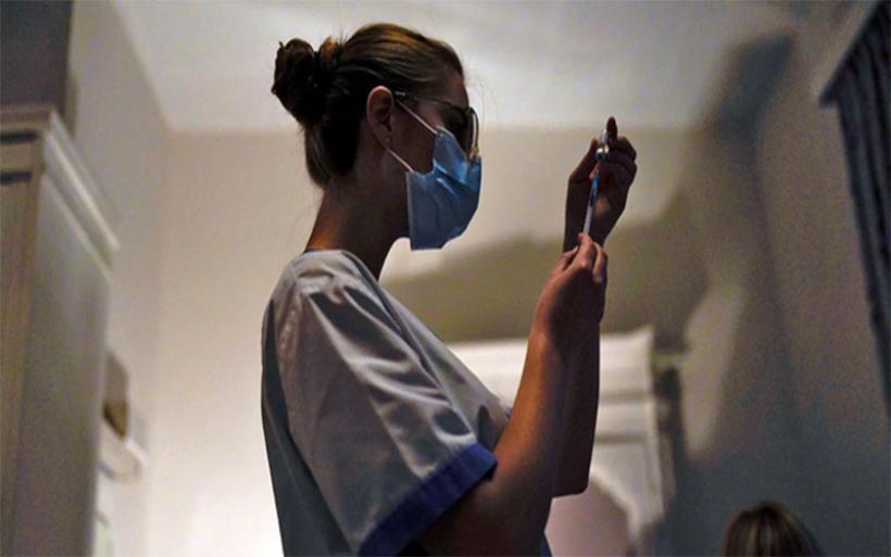 Κορωνοϊός-Eρευνα ΕΚΠΑ: Αντισώματα για τουλάχιστον ένα έτος έχουν οι πλήρως εμβολιασμένοι