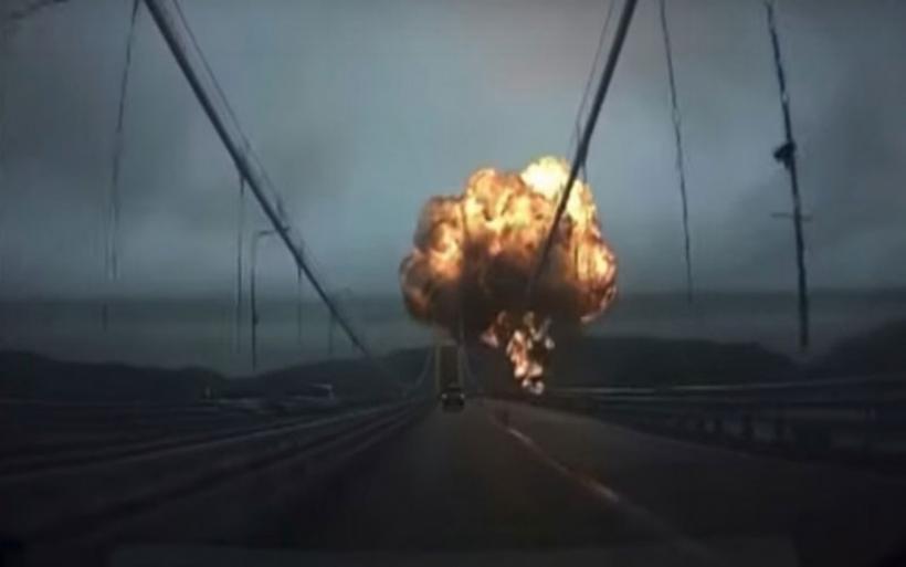 Η στιγμή της έκρηξης σε δύο δεξαμενόπλοια στη Νότια Κορέα -Μπάλα φλόγας «κυνηγάει» αυτοκίνητο