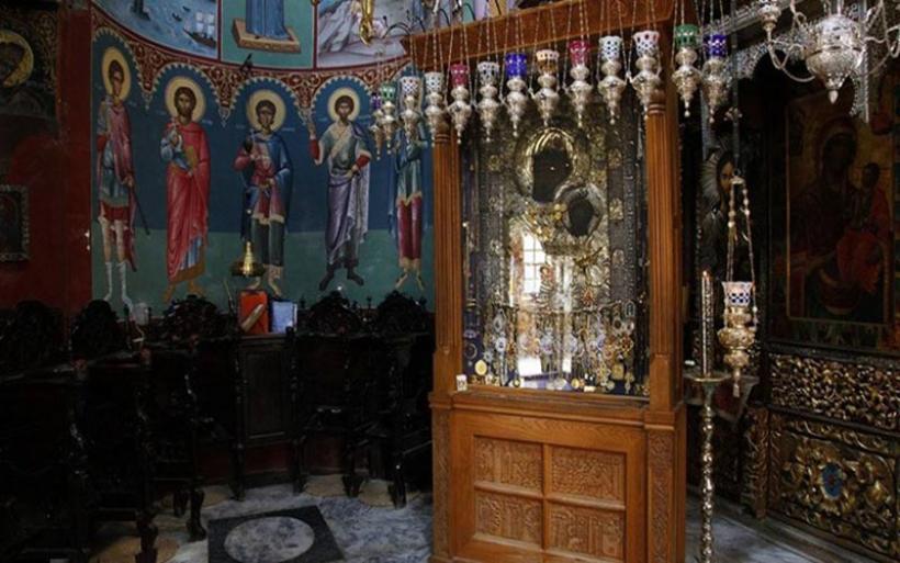 Συναγερμός στο Άγιο Όρος - Έκλεψαν τάματα από την Παναγία την Πορταΐτισσα