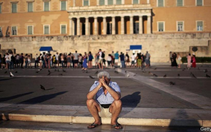 Economist: Mαραθώνιος περιμένει την Ελλάδα μέχρι να βγει στην κανονικότητα