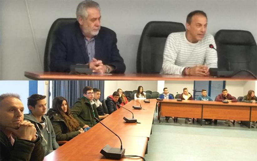 Επίσκεψη τμήματος του ΕΠΑΛ Αλμυρού στον Δήμαρχο Αλμυρού (φωτο)