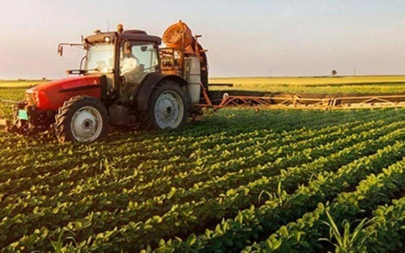 5.000 ευρώ σε κάθε αγρότη και 50.000 ευρώ σε επιχειρήσεις