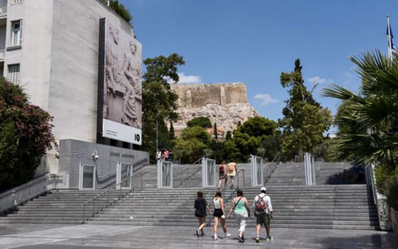 Κοροναϊός : Κώδωνα κινδύνου κρούουν οι ειδικοί – Εξετάζονται νέα μέτρα