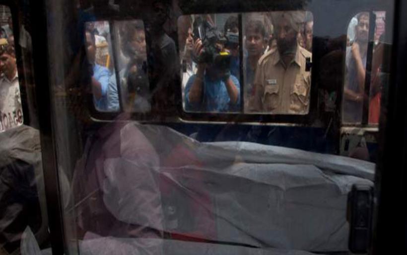Μυστήριο στην Ινδία: Βρέθηκαν δέκα μέλη οικογένειας απαγχονισμένα -Είχαν κρεμαστεί από το ταβάνι
