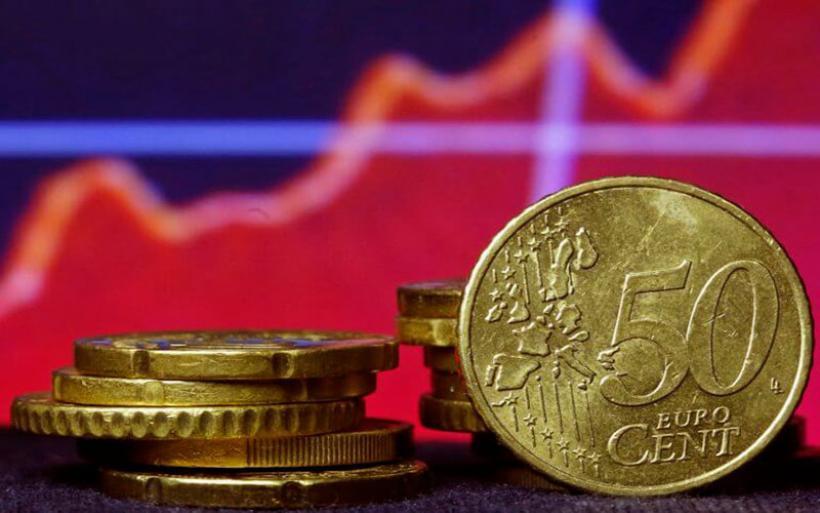 Οι παροχές αναβάλλουν την έξοδο στις αγορές – Πιέσεις σε ομόλογα και μετοχές