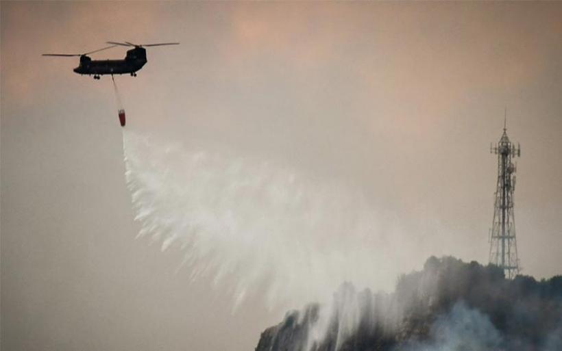 Φωτιά στην Εύβοια: Μάχη σε τρία μέτωπα δίνουν οι πυροσβέστες