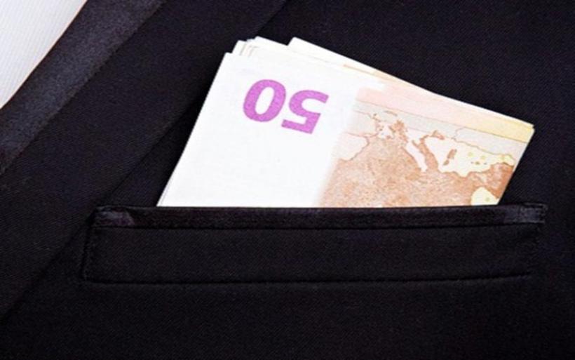 Φοροελαφρύνσεις: Αυτές είναι οι σκέψεις της κυβέρνησης – Σενάρια για παράταση του μειωμένου ΦΠΑ