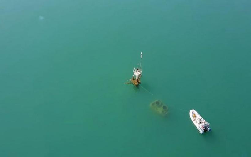 Εντυπωσιακές εικόνες από το ναυάγιο στη μέση του Ευβοϊκού - ΒΙΝΤΕΟ