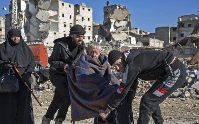 Συνεχίζεται η εκκένωση του Χαλεπιού: 8.000 άμαχοι έχουν εγκαταλείψει τα σπίτια τους