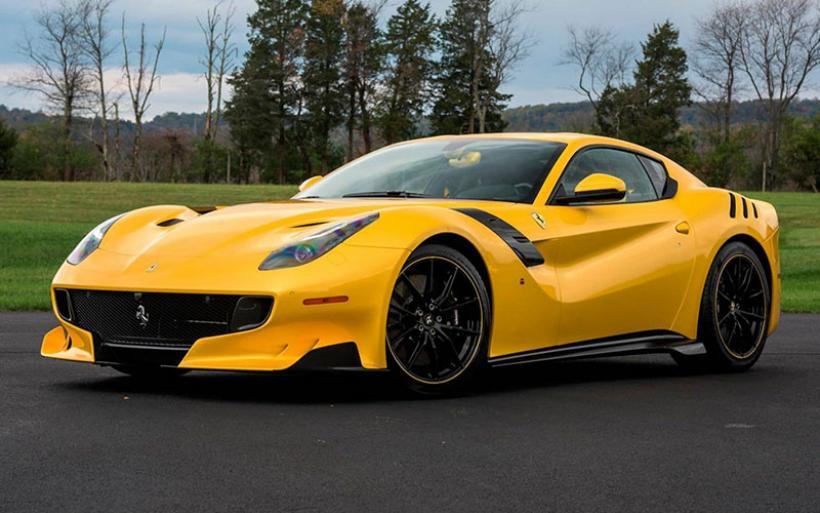 1.2 εκατομμύρια δολάρια για μια σπάνια Ferrari F12TdF