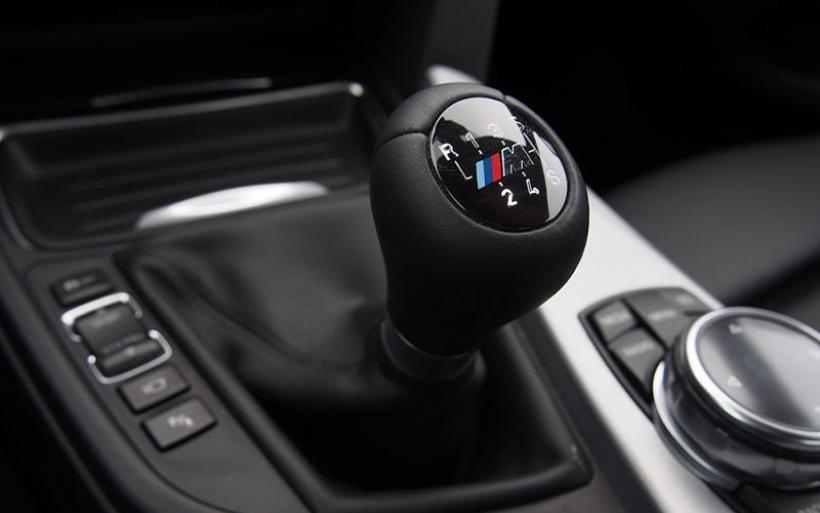 BMW M: Στο χρονοντούλαπο τα χειροκίνητα κιβώτια