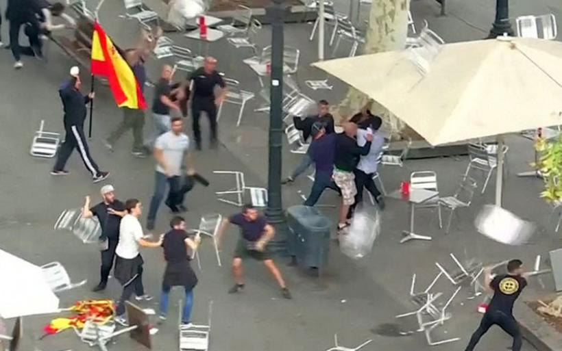 Αγριο ξύλο μεταξύ διαδηλωτών στη Βαρκελώνη