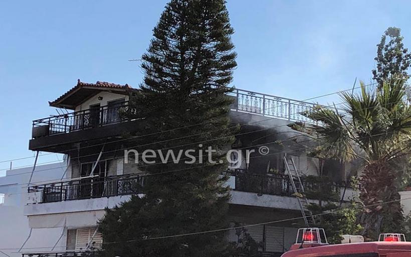 Τραγωδία στη Βούλα: Νεκρή 60χρονη από φωτιά σε διαμέρισμα